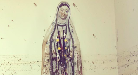 Crucifixo e imagem de Fátima são encontrados intactos após inundação